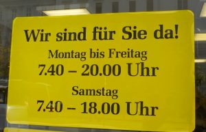 This picture shows a store's opening hours. It is open Monday through Friday 7:40 to 20:00 and Saturday 7:40 to 18:00.
